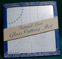 GLASS CUTTING MAT TATTERED LACE